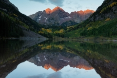 Landscape-Maroon-Bells-Mountain-reflection-John-Greengo